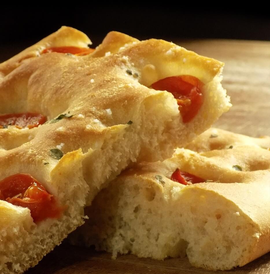Focaccia al pomodoro con Lievito Santa Lucia