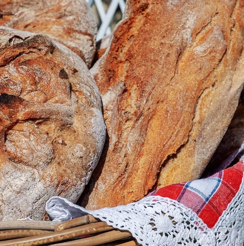 Pagnotta di pane sfornata